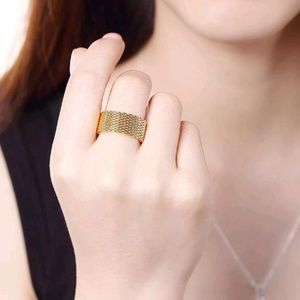Jewelry - Gold Mesh Band Ring